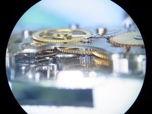 輪列機構をサイドから撮影してみました