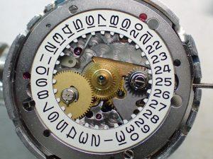 Cal.3035は、カレンダーの不具合が起こりやすいので、念入りに調整とチェックをいたします