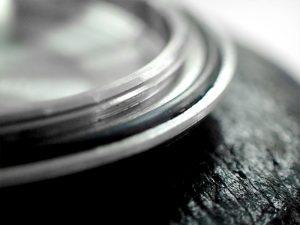 高品質なパッキンでも、性能を発揮できる期間には限界がありますので、 定期的な交換が必要です。