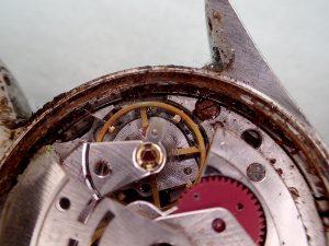修理となると交換部品が多数必要になることは