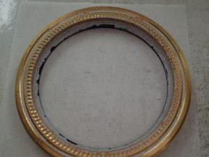 Ref.116613 全体に白い粉のようなものが付着しています。