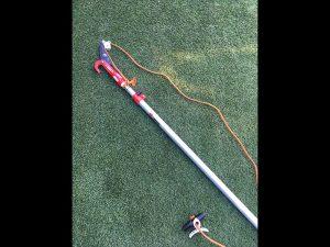 ご近所の方からおススメされた、このタイプの枝切ばさみがとても役に立ってくれます。
