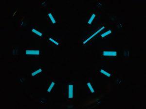 全てクロマライトが使われており、暗所での視認性が上がっています。